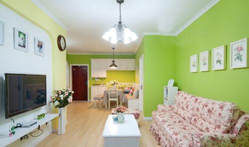 Mẹo lựa chọn màu sơn hợp với ngôi nhà gam màu xanh và vàng cho phòng khách