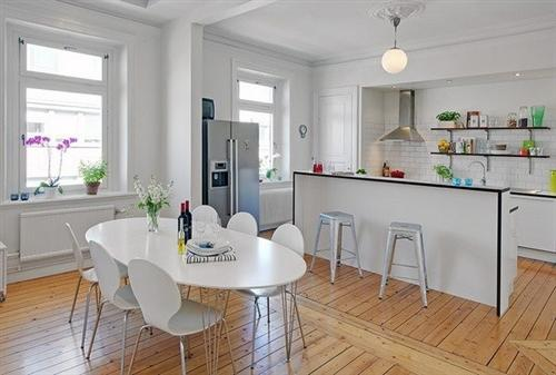 Mầu trắng sang trọng hiện đại phòng bếp luôn sạch sẽ