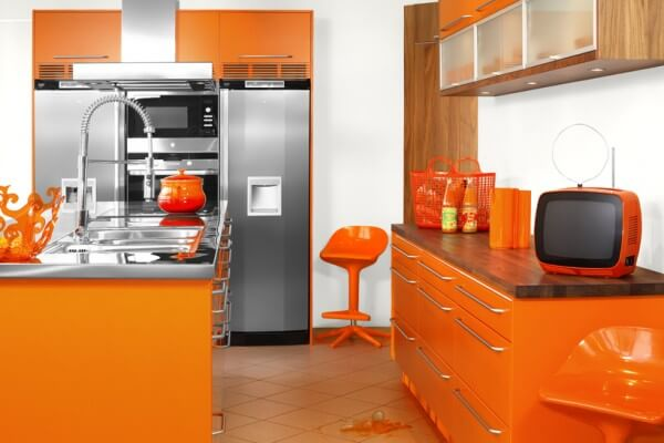 Sắc cam mầu sắc ấn tượng cho phòng bếp