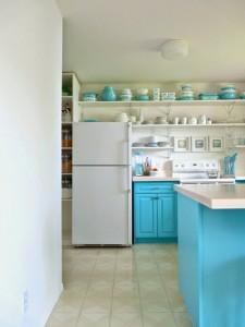 Sửa nhà bếp biệt thự sáng hơn khi thay màu vàng nhạt ban đầu thành màu trắng