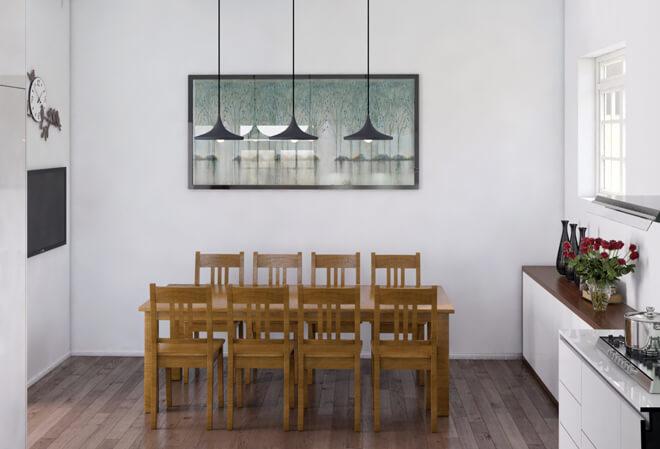 Sửa nhà ống 4 tầng, bàn ăn gỗ mộc mạc đủ cho gia đình đông người đặt trong không gian thiết kế đơngiản.