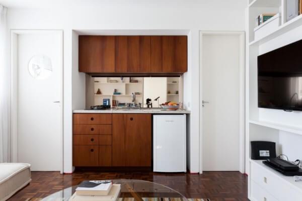Cải tạo căn hộ, với không gian bếp gói gọn ở một khu vực nhỏ trong nhà.