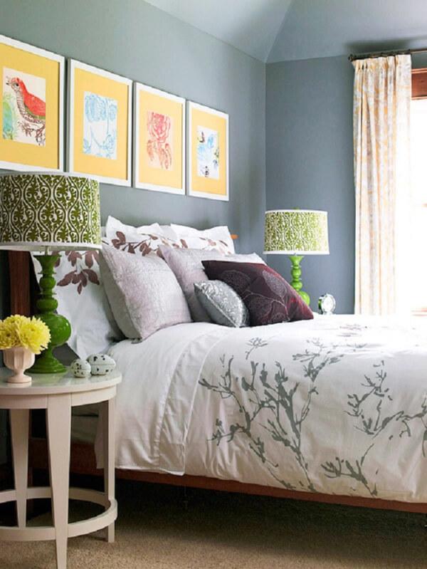 Hãy thay màu sơn nhà bạn bằng những tone màu mang sắc thái mùa hè chẳng hạn như màu xanh dương dịu dàng, màu xanh lá cây mát mắt.