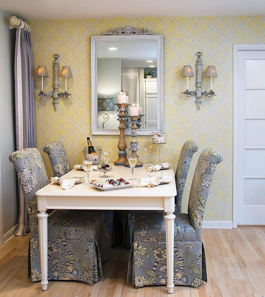 Phòng ăn truyền thống với màu vàng, trắng và xám cộng thêm bộ ghế tùy chỉnh, trong mẫu thiết kế nội thất phòng ăn đẹp, sang trọng.