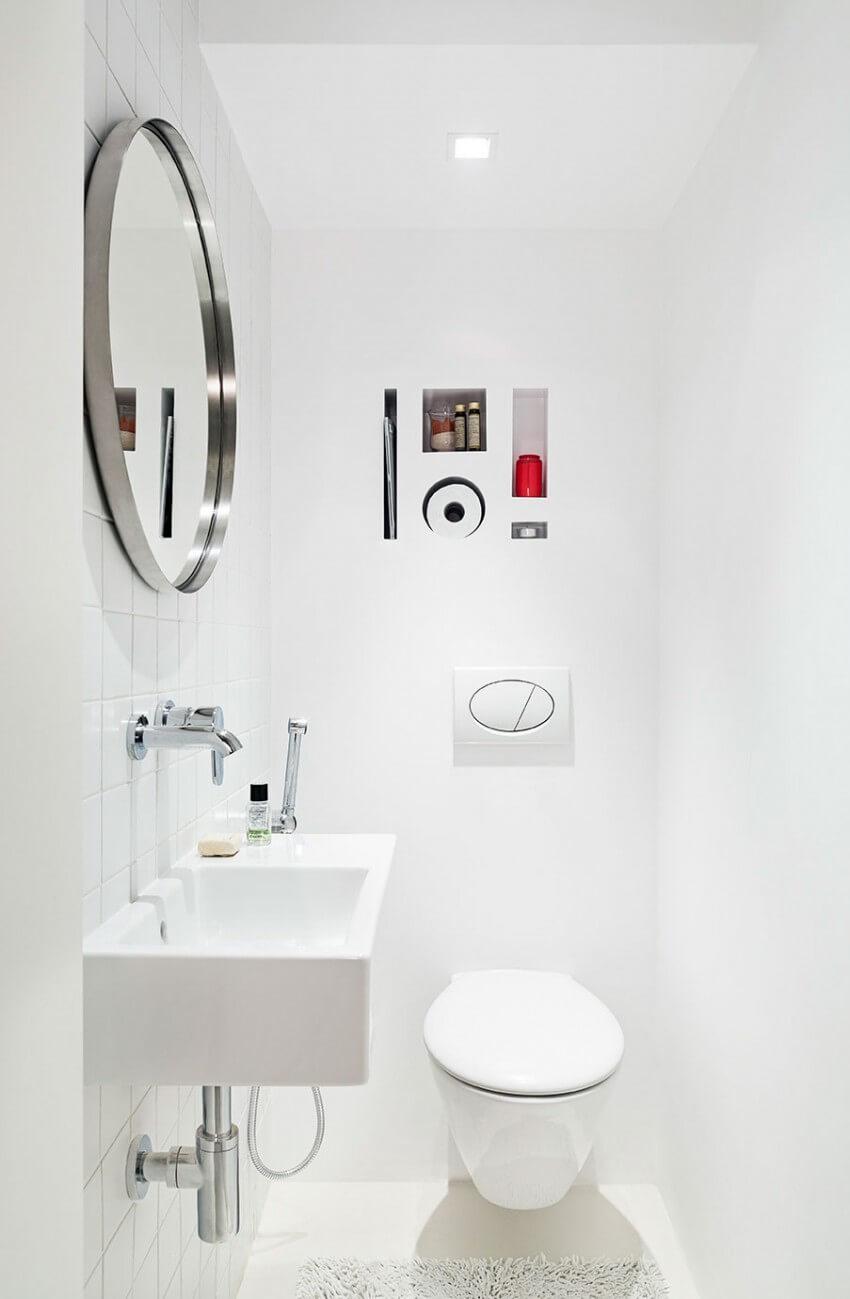 Cải tạo nhà với sơn trắng, phòng tắm được thiết kế đơn giản, nội thất phòng tắm không màu mè, tạo nên sự trang nhã, hài hòa.