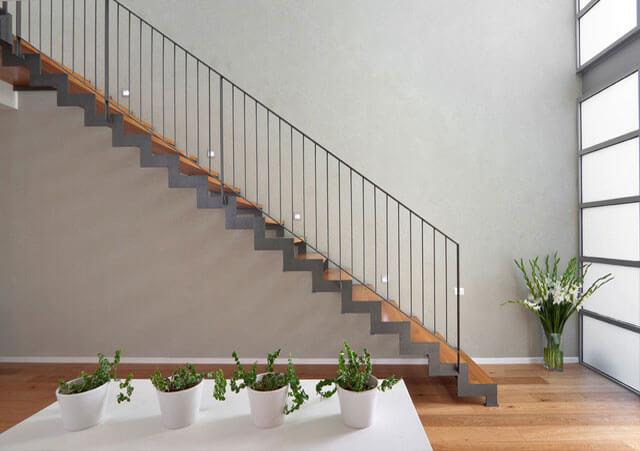 Sửa chữa nhà đẹp với cách bố trí cầu thang phía cuối nhà