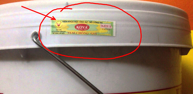 Bởi sơn Kova hay bị làm giả nên khi chọn mua sơn Kova cần chú ý tem chống hàng giả sơn Kova