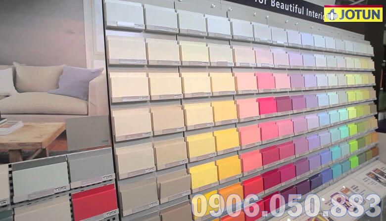 Bảng màu lớn của hãng sơn Jotun chụp tại nhà phân phối sơn Jotun gốc nước và gốc dầu Việt Nam