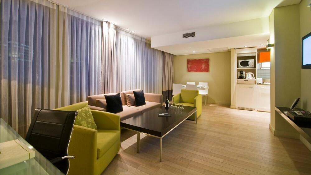 Cải tạo phòng khách kiêm phòng sinh hoạt chung căn hộ chung cư có diện tích nhỏ 75m2