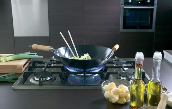 Làm mát nhà bếp không lo tạt lửa
