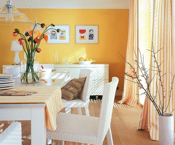 Mầu cam sữa tạo sự ấm cúng cho căn phòng bếp
