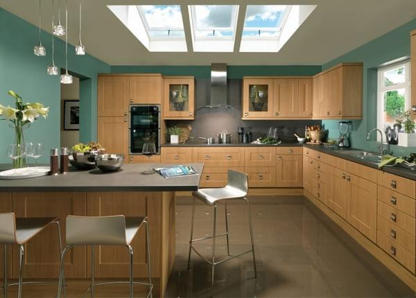 Sửa nhà bếp mát mẻ với mầu sơn xanh kết hợp mầu gỗ tự nhiên