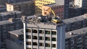 Tháo dỡ nhà cao tầng nhanh