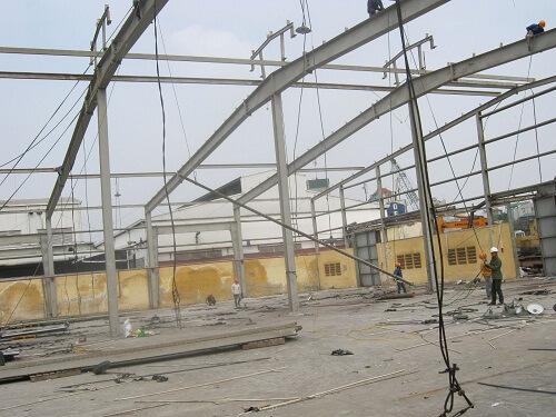 Cách thi công tháo dỡ nhà xưởng an toàn