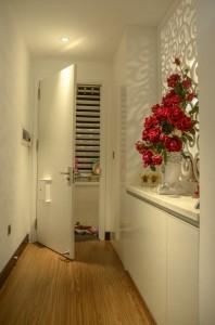 Lối vào sảnh sau khi cải tạo sạch sẽ gọn gàng tiện nghi