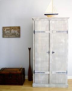 Sau cải tạo kể để đồ bằng tủ gỗ độc đáo