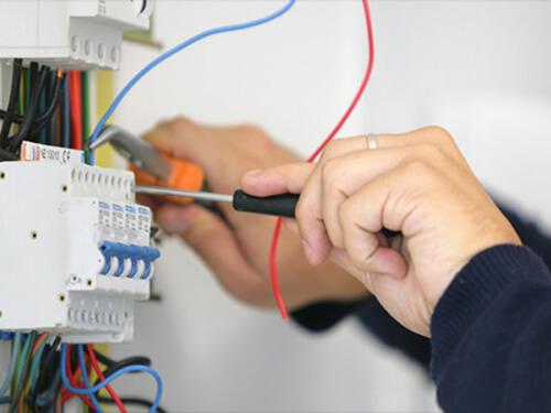 Sửa chữa điện nước cho công ty