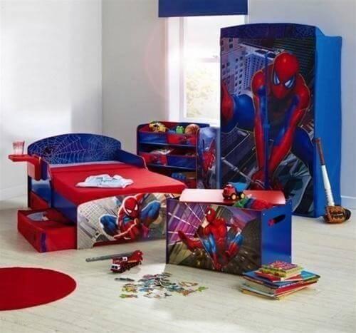 Các trang trí phòng cho bé trai theo sở thích với siêu nhân nhện độc đáo