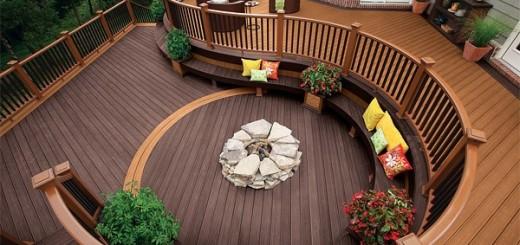 Sàn gỗ, kết hợp với các chậu hoa sẽ làm cho khung cảnh luôn tràn ngập sức sống.