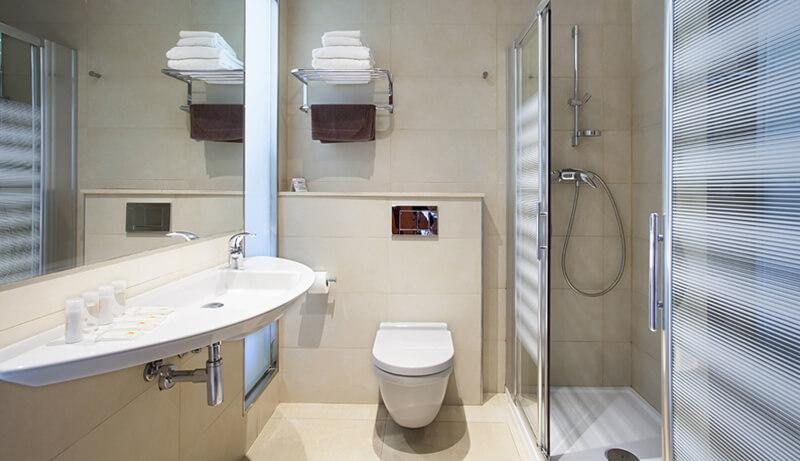 Sửa chữa nhà tắm kết hợp nhà vệ sinh trong hạng mục cải tạo nhà 75m2 xây 3 tầng tuyệt đẹp tại Hà Nội