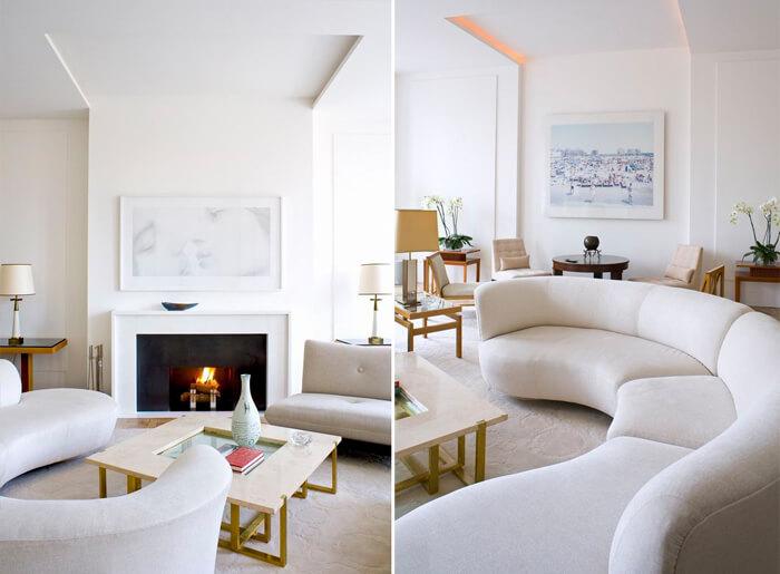 Một phương án phòng khách sử dụng tông màu sáng trắng với nội thất cơ bản và không có nhiều đồ trang trí được gia chủ rất thích
