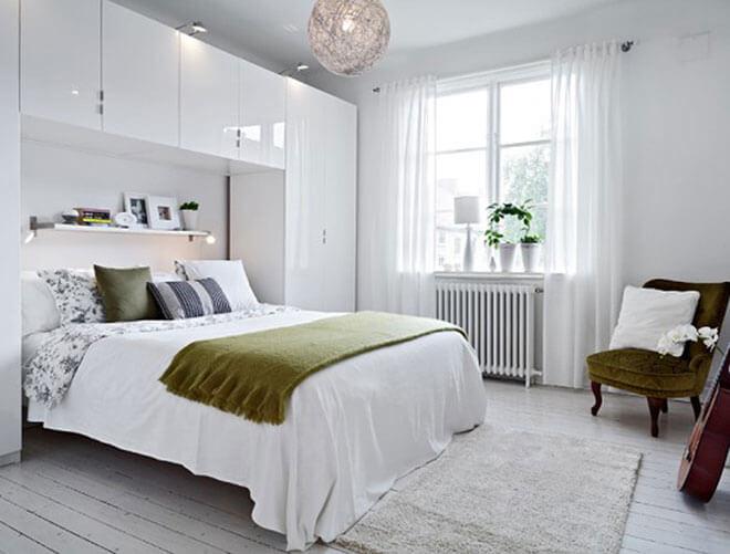 Phòng ngủ vợ chồng có diện tích nhỏ nhưng vẫn tối ưu công năng sử dụng đầy đủ trong căn nhà chỉ 35 M2