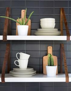 Bộ bát đĩa cốc hoaf hợp với kệ gỗ
