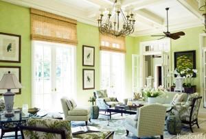 Mùa xanh lá sẽ rất hợp cho những phòng khách nhiều cửa sổ