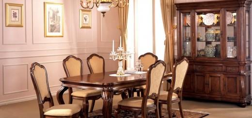 Phòng ăn ấm cúng với nội thât gỗ dưới ánh đèn
