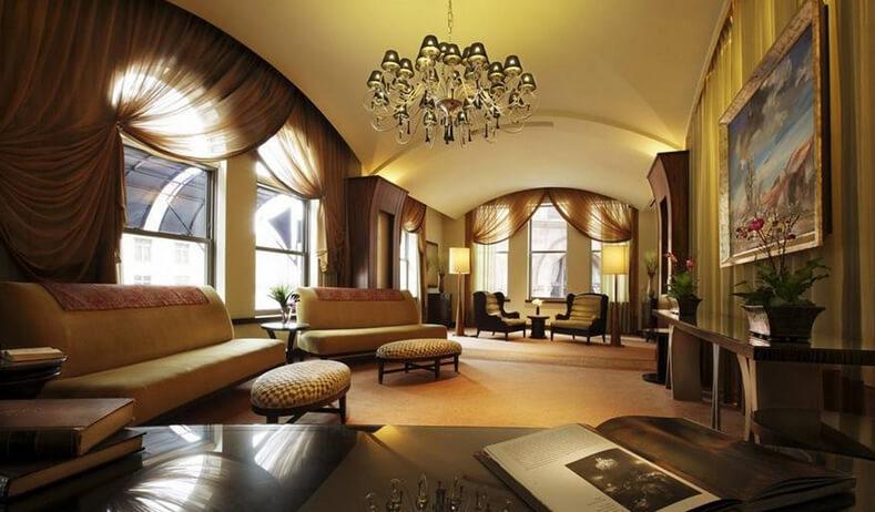 Phòng khách biệt thự được sửa lại theo phong cách Châu Âu hiện đại theo yêu cầu của chủ nhà