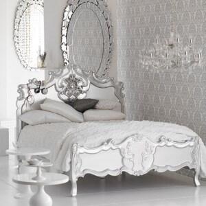 Phòng ngủ mầu trắng mang phong cách châu âu