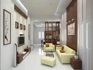 Màu trắng chủ đạo trong căn nhà kết hợp vs bộ ghế màu vàng nhạt cùng với màu gỗ tạo nên phòng trông thật lạ mắt