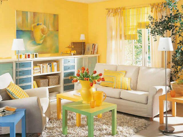 sơn trang trí nhà đẹp với tông màu vàng đậm