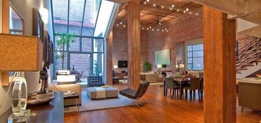 Tường gạch kết hợp ăn ý với tường kính khiến cho căn phòng hiện đại