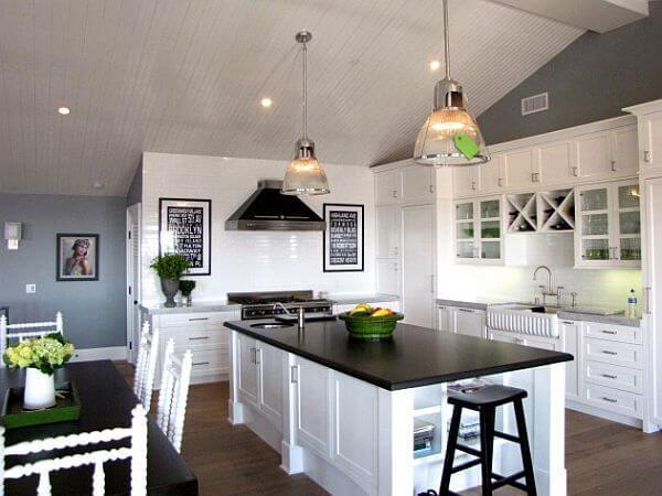 Lựa chọn màu sơn hợp cho ngôi nhà mới màu trắng cho bếp tạo cảm giác thoáng đãng