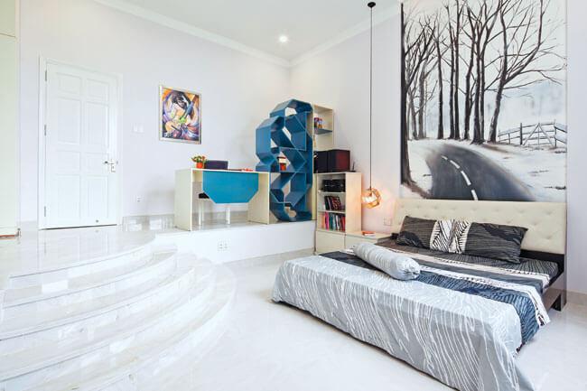 phòng ngủ đã thay đổi độ cao khác nhau sau khi Sửa nhà cải tạo căn hộ có sẵn tạo sự khác biệt