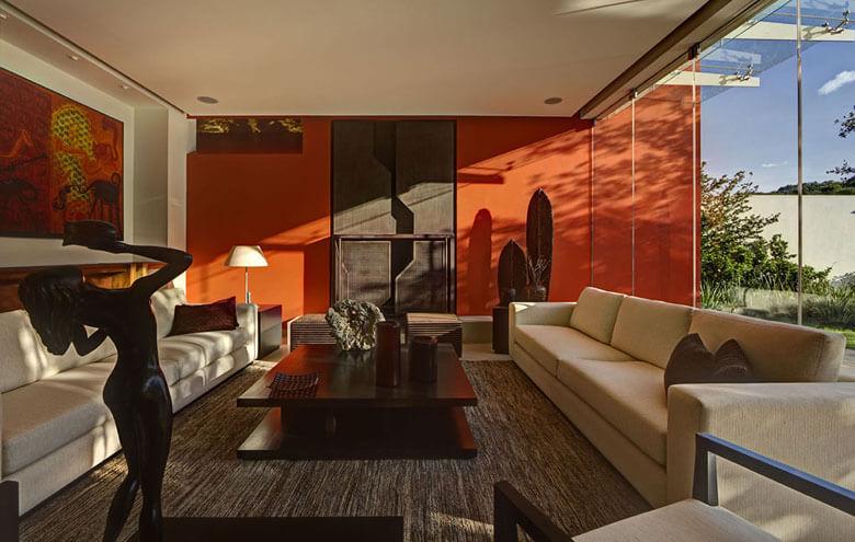 Mẫu 4: Sơn nhà màu cam đẹp rất hợp với màu sowng tường phù hợp tâm trạng con người