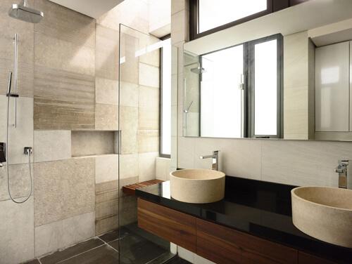Sửa nhà cải tạo căn hộ, với căn phòng tắm rất tiện nghi và sạch thoáng