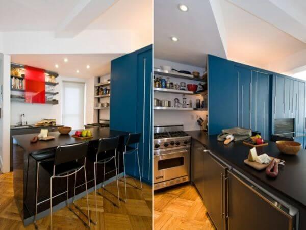 Mẹo hay sửa nhà với khu bếp cũng sử dụng các tủ lưu trữ lớn để trữ đồ đạc, ấn tượng với căn hộ nhỏ, hẹp.
