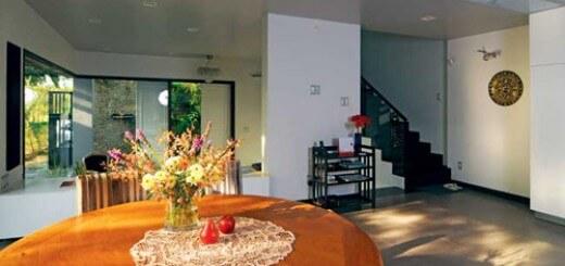 Phòng khách nhìn thông qua các không gian, ấn tượng trong mẫu thiết kế nhà này.