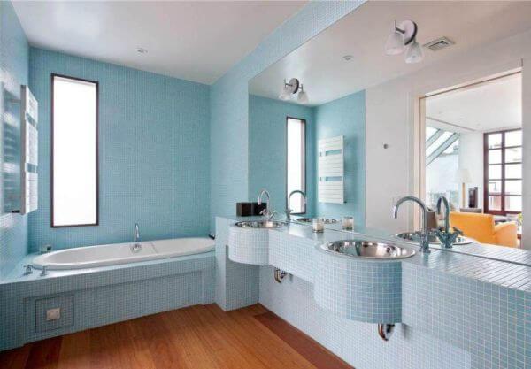 Sơn nhà đẹp với gam màu xanh dương nhạt, tạo cảm giác sạch sẽ, tươi trẻ đầy ấn tượng.