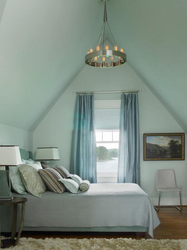 Phòng ngủ thiết kế đơn giản, sơn nhà đẹp với gam màu xanh dương nhạt, ấm áp và bình yên.