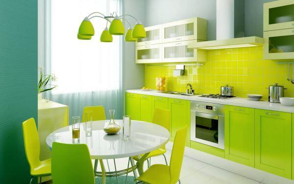 Sơn nhà bếp tông xanh vỏ chanh rực rỡ tràn và đầy sinh lực.