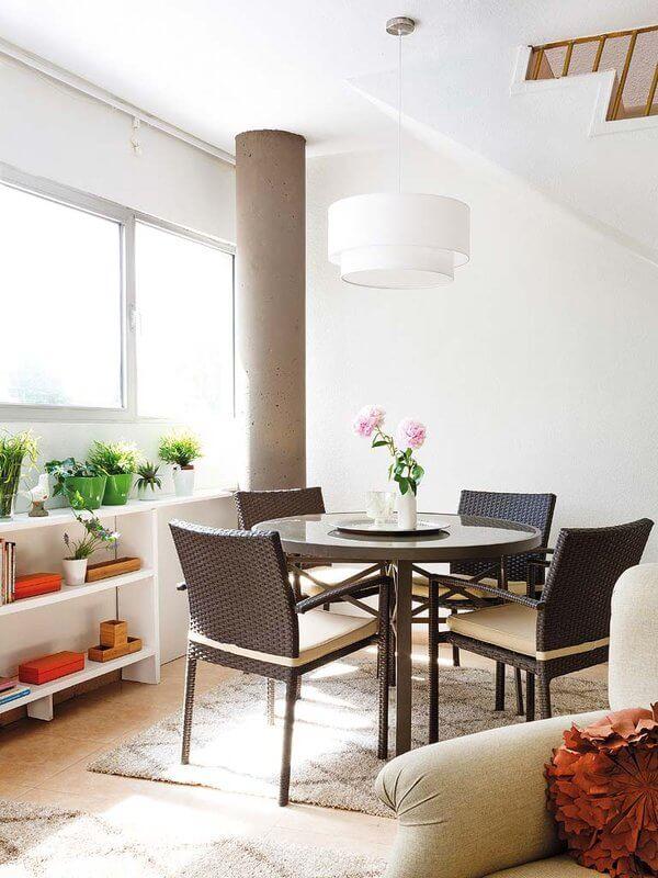 Cải tạo căn hộ với không gian ăn uống hàng ngày cho gia đình. Nơi ăn uống cùng liền với phòng bếp giúp mọi người tiện lợi hơn trong việc dọn dẹp cũng như lấy đồ ăn, đồ dùng khi cần.