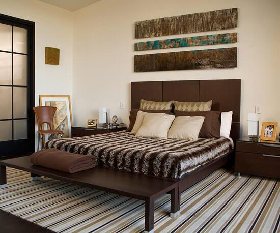 Mẫu sơn đẹp với phòng ngủ này khá lạ mắt khi được trang trí bằng sắc kẻ sọc.