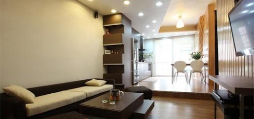 Mẹo cải tạo căn hộ với phòng khách nhận được nhiều ánh sáng tự nhiên nhờ phần WC đã được dịch chuyển.