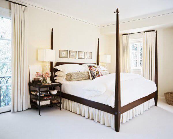 Màu vàng nhạt cũng được nhiều người lựa chọn. Phòng ngủ sơn màu chủ đạo này vừa nhẹ nhàng mà vẫn đủ ấm áp