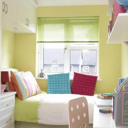 Phòng ngủ Bố Mẹ với gam màu trẻ trung, sáng thoáng sau sửa chữa cải tạo căn hộ này.