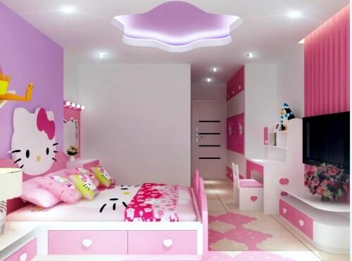 Phòng ngủ của con trong mẫu thiết kế nhà 4 tầng gam màu hồng dịu dàng với hình mèo Kitty trang trí đầu giường. Những vật dụng trang trí phù hợp với độ tuổi và ý thích của bé.