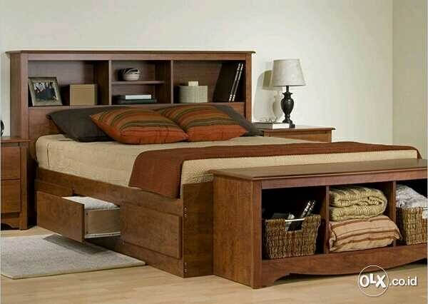 Nội thất phòng ngủ thiết kế với một chiếc giường đa năng vừa giúp tiết kiệm diện tích, vừa là nơi lưu trữ đồ đạc tiện lợi